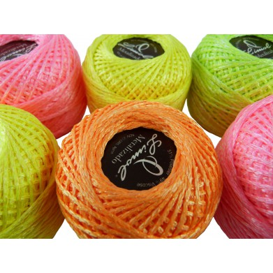 Hilo flúor para crochet