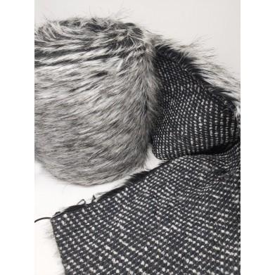 Pelo sintético gris 20cm