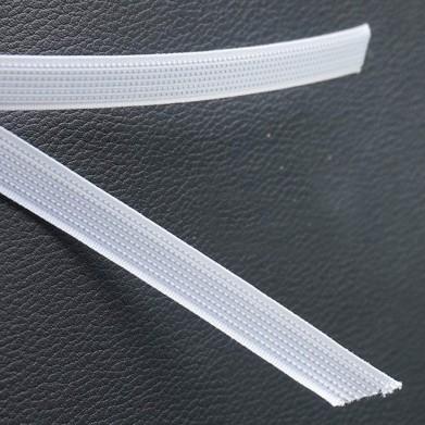 Ballena de coser blanca