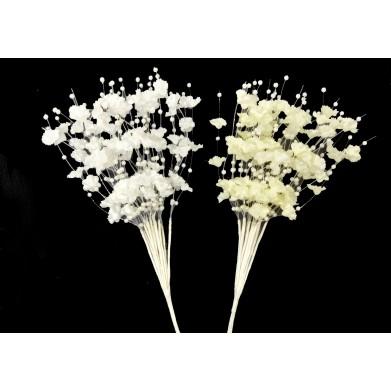 Ramillete de flores con perlas